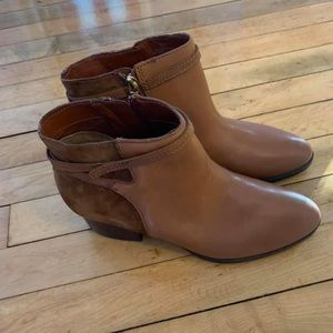 Ralph Lauren ankle boots size 8.5 new never worn